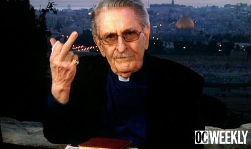 Paul_crouch_middle_finger-thumb-550x328